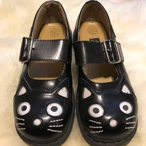 Vintage tuk kitty shoes